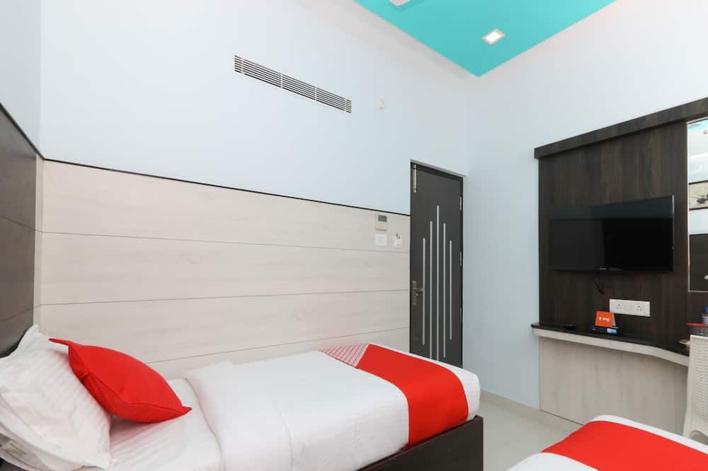 Standard Double or Twin Room, 1 Double Bed, Non Smoking - Bathroom