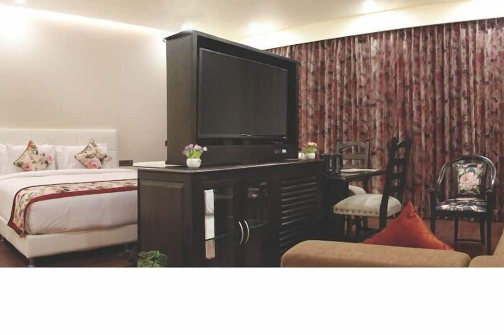 Suite, 1 Double Bed, Non Smoking - Living Room