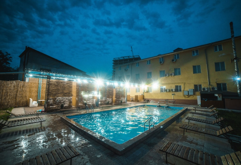 Отель SunRise Osh, Ош, Открытый бассейн