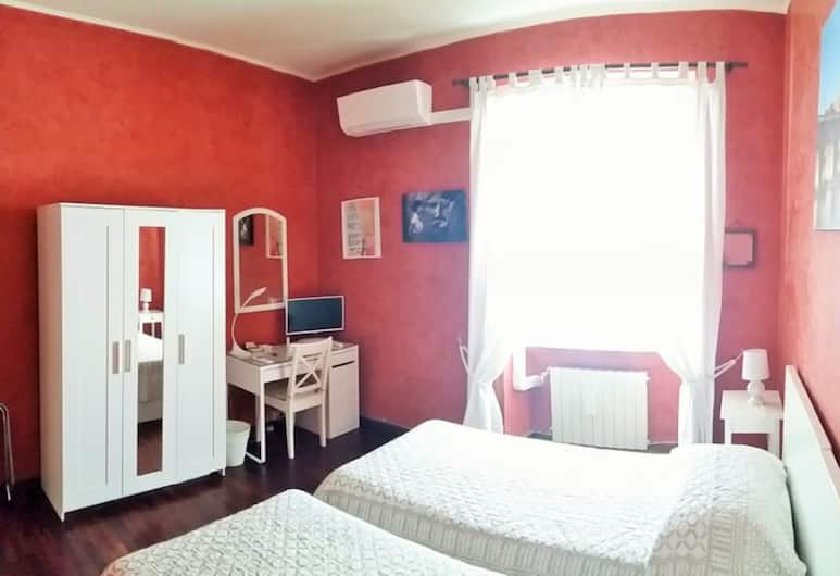 Ciao Roma, Rome, Standard Twin Room, 2 Single Beds, Smoking, Shared Bathroom, Guest Room