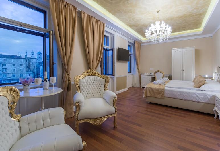 Central Square Heritage Hotel, Split, Luksus-dobbeltværelse - byudsigt, Værelse