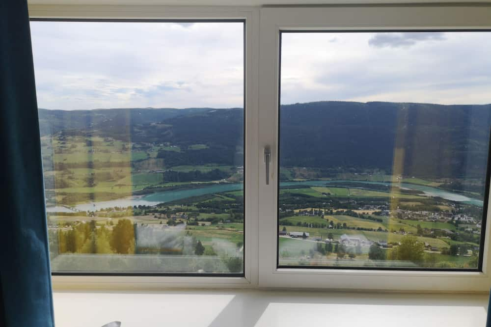 Twin Room, 2 Twin Beds, Mountain View - Guest Room View