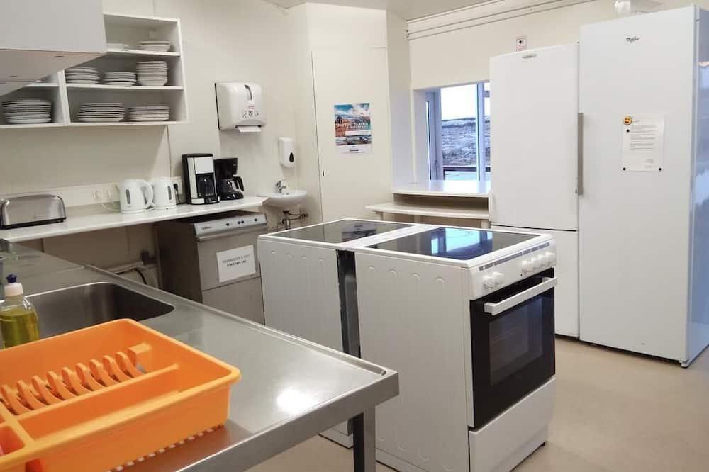 Economy Cottage, Shared Bathroom (Quadruple) - Shared kitchen