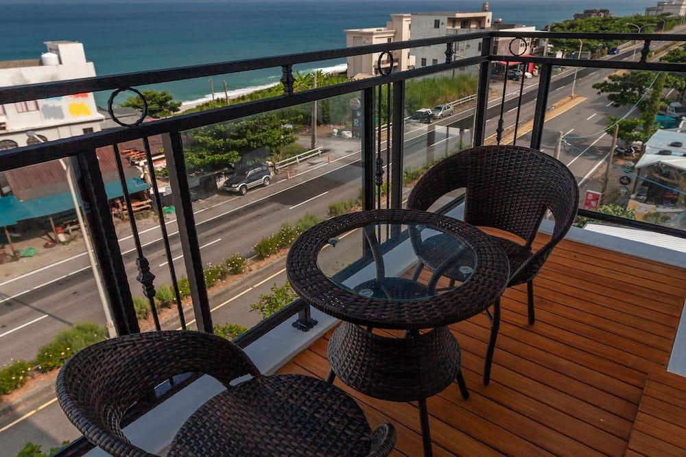 Panoramic-Vierbettzimmer, 2Doppelbetten, barrierefrei, Meerblick - Blick vom Balkon