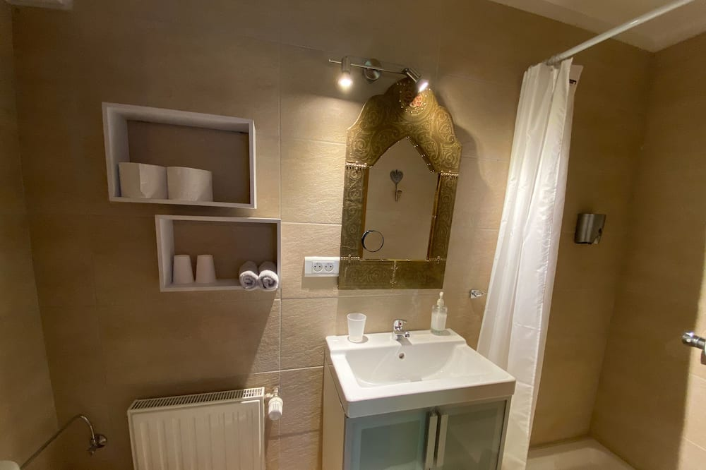 ห้องดับเบิล, ห้องน้ำในตัว (Jeanne de Ferrette) - ห้องน้ำ