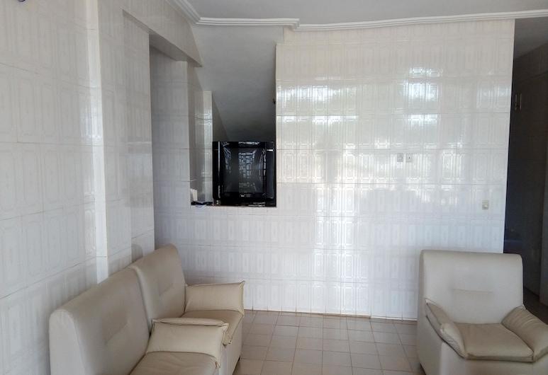 Residence Kojja, Yamoussoukro, Reception