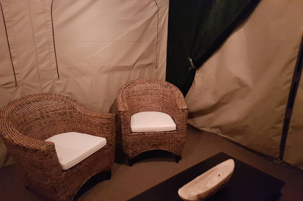 Tente Deluxe, 1 grand lit, salle de bains privée, vue montagne - Salle de séjour