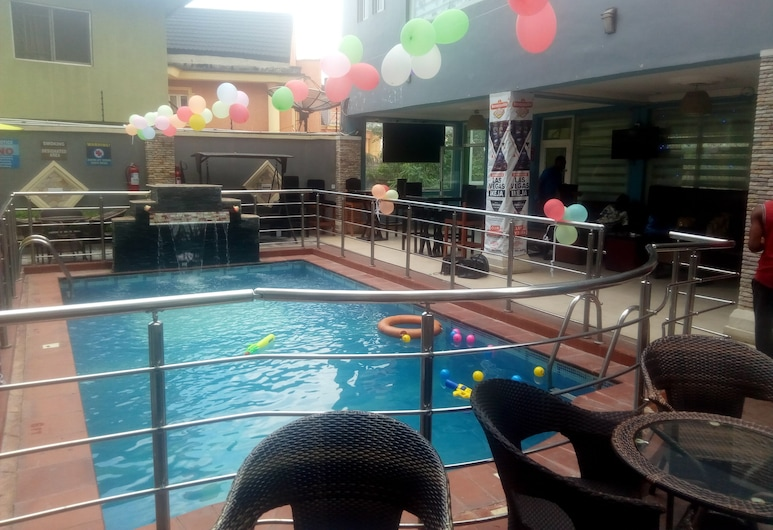Valley Front Plus Hotel, Lagos, Pool