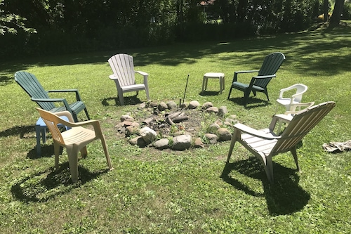 オンタリオ湖の東、眠る10、ビーチ、2カヤック、火口、ガスグリル、ヤード、ポルク/