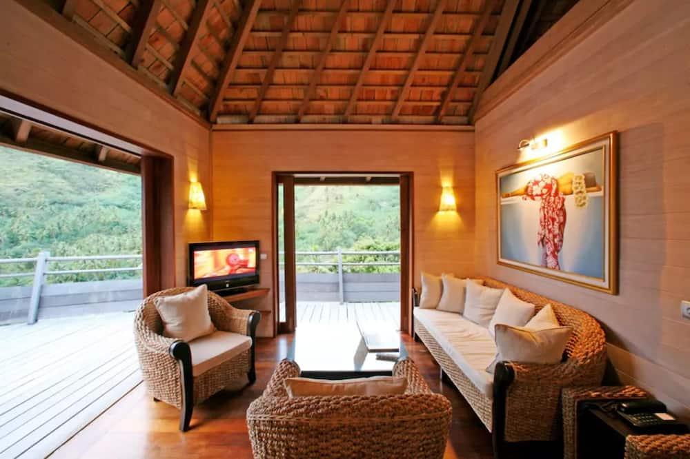 Panoramic Villa, 2 Bedrooms, Pool Access, Ocean View - Living Room