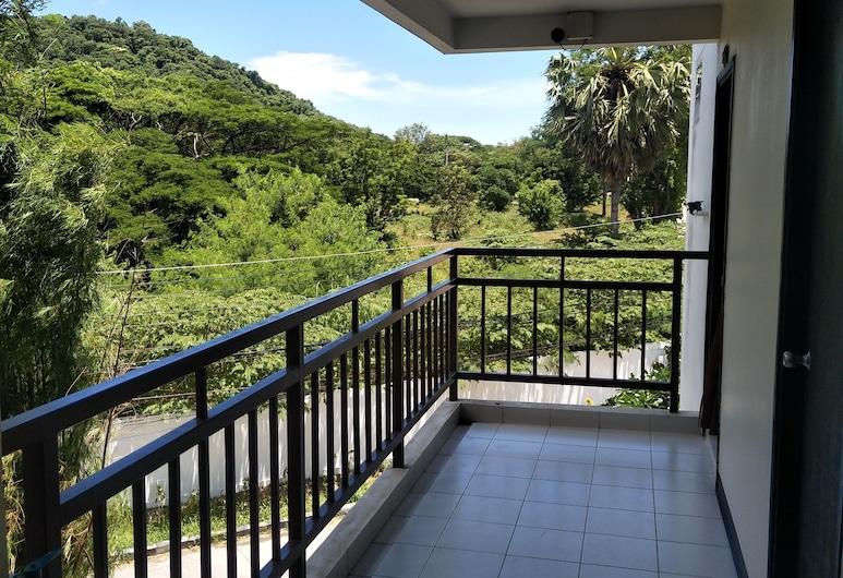 Kittapond Resort, Chonburi, Terrace/Patio