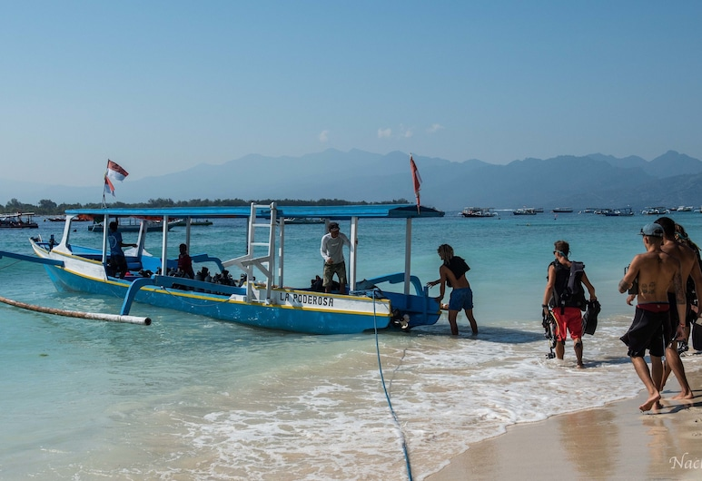 Dpm Gili T Diving Hostel & Bar, Gili Trawangan, Beach