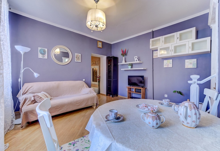 Welcome Home Apartments Fontanka 18, St. Petersburg, Apartment, 2 Bedrooms, Living Room
