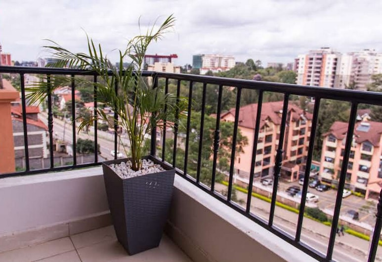 Huku Qwetu C5 City Breeze Apartment, Nairobi, Balcony