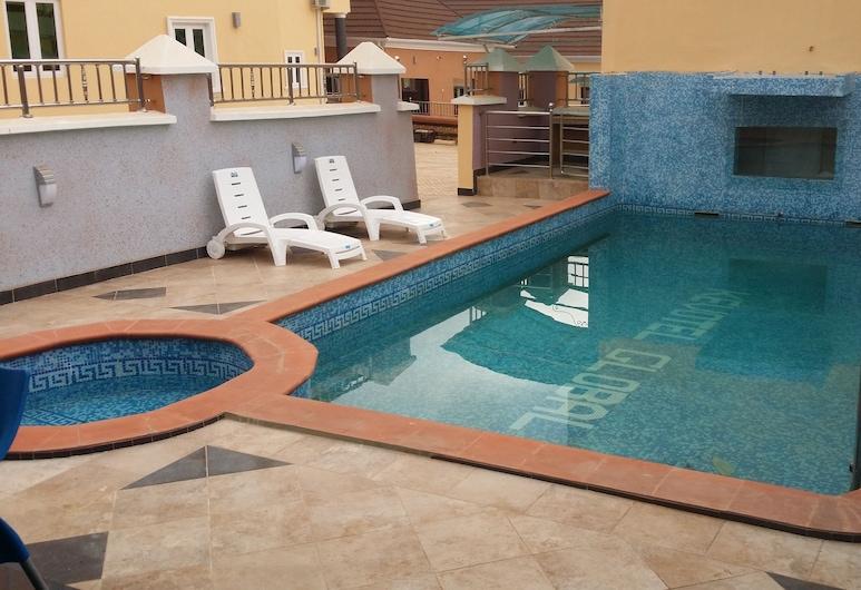 Kevotel Hotel and Suites, Ogbunike, Välibassein