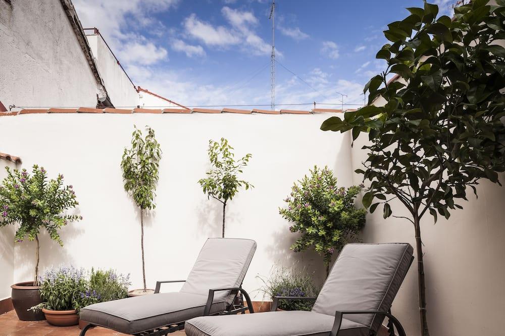 شقة ديلوكس - غرفتا نوم (Terrace) - تِراس/ فناء مرصوف