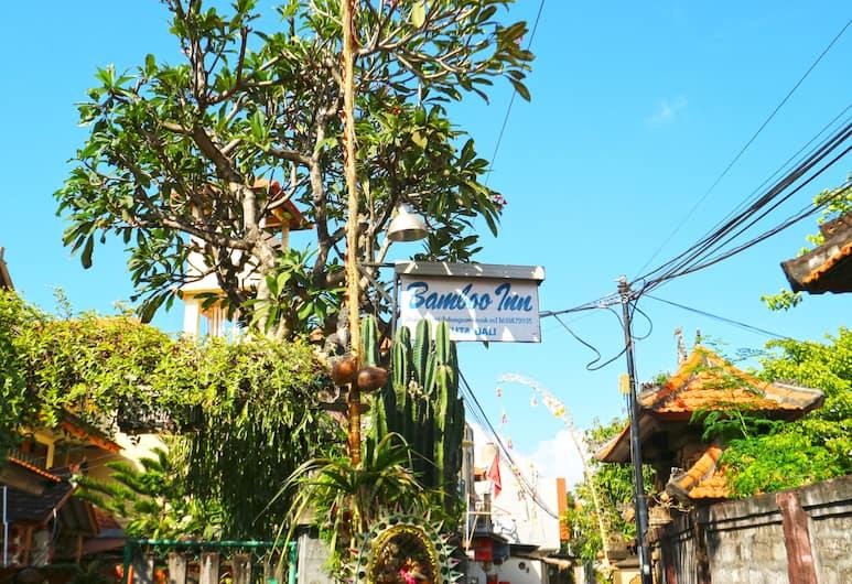 Bamboo Inn Kuta, Kuta, Lối vào khách sạn