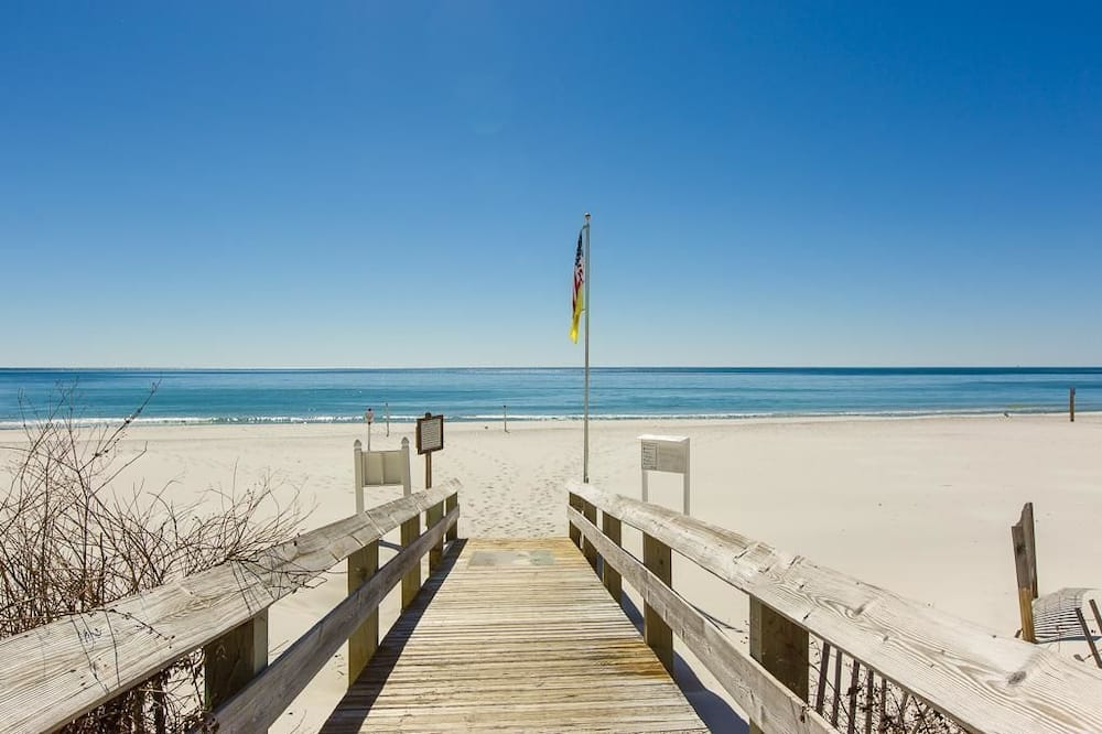 Condo, Multiple Beds (Phoenix West 1001) - Beach