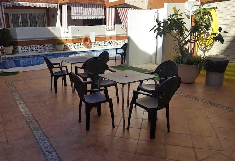 Los Nidos Beach, Torremolinos, Pool