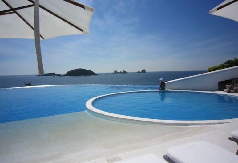 Ocean View @ Exclusive Yacht Club. GRATIS DAGELIJKSE SCHOONMAAKSERVICE!  VERLAAGDE TARIEVEN!, Ixtapa, Zwembad