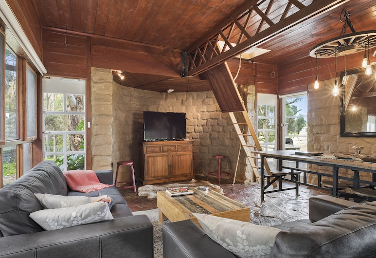 Driftaway Cottage - An Enchanting Escape, Оушен-Гроув, Вітальня