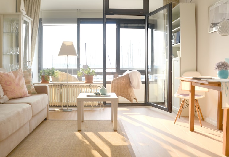 High-quality Apartments, Direct sea Views, the Beach, Newly Renovated, Laboe