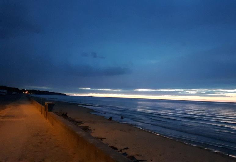 Chez Jeanne Omaha Beach, Saint-Laurent-sur-Mer, Beach