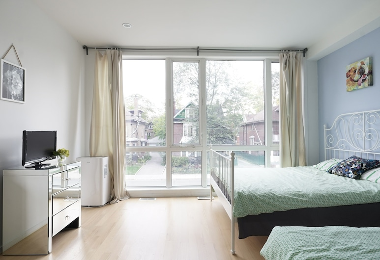 3 Bedrooms Design Home, Toronto, Design House, 3 Bedrooms, Room