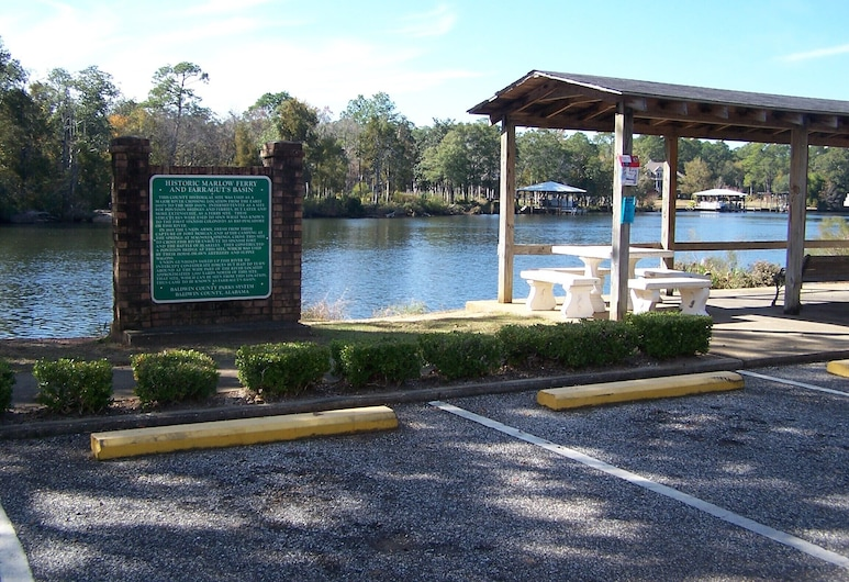 Lets Go Camping In Comfort, Southern Style, Come on Down, Fairhope, Pool