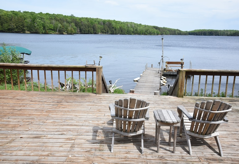 The Perfect Place to Stay for a Relaxing and Comfortable Fishing Getaway, Land O Lakes, Balkon