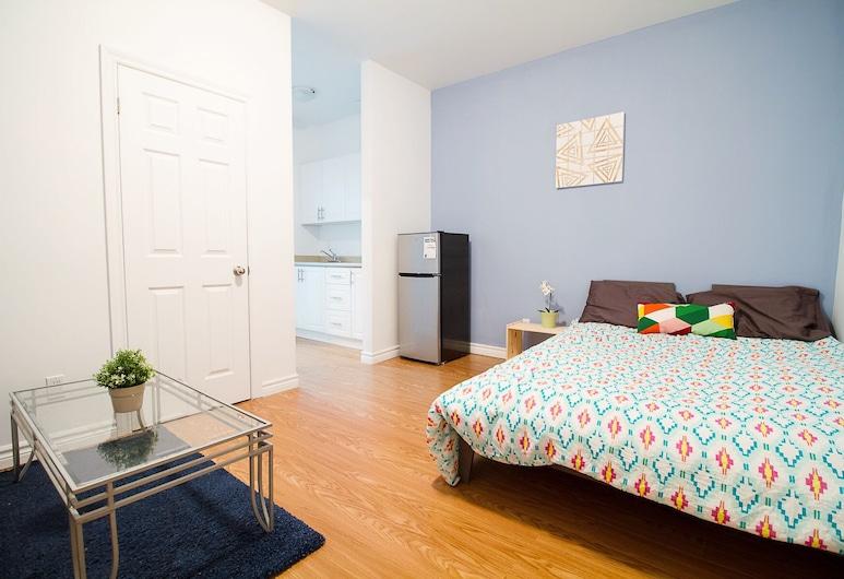 2 Bedrooms Apartment near Kensington Market – Unit 9, Toronto