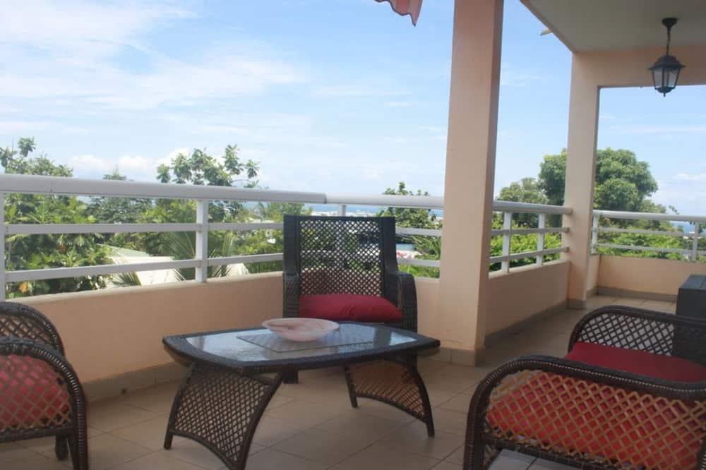 Apartment, 2 Bedrooms, Pool Access, Ocean View - Balcony
