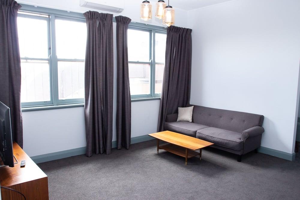 Стандартні апартаменти, багатомісний номер, для некурців (2 Bedroom Apartment ) - Вітальня