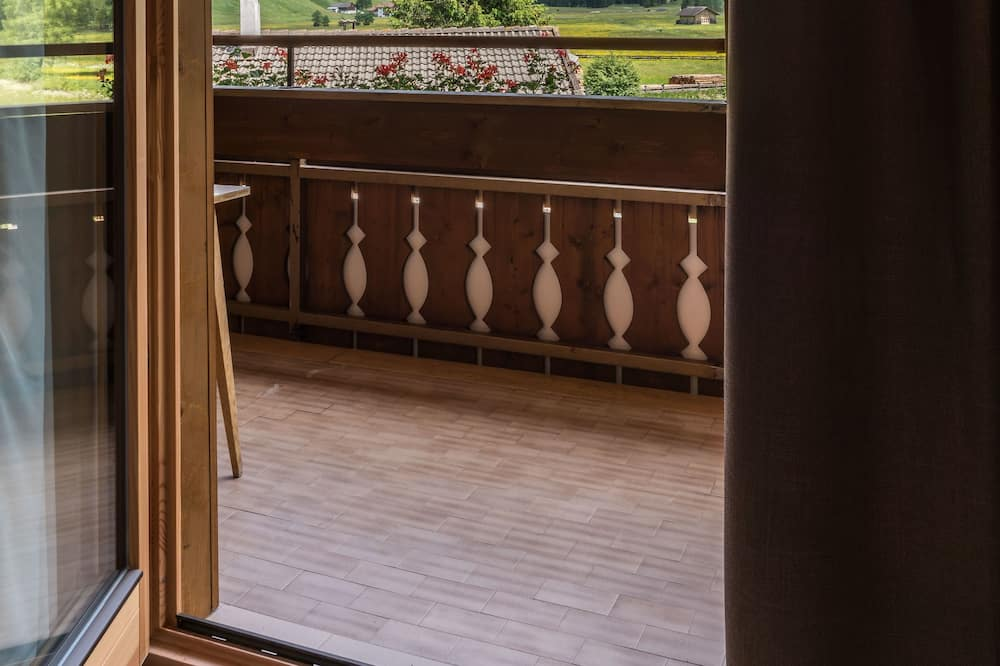 Superior Triple Room, Mountain View, Mountainside - Balcony View