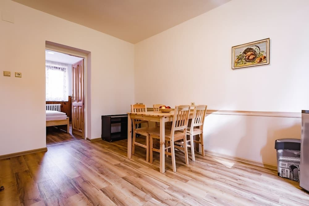 Standaard appartement, 1 slaapkamer, kitchenette (B1) - Eetruimte in kamer