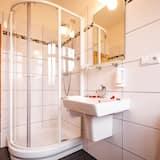 Luxe tweepersoonskamer, uitzicht op tuin (A1, A2) - Badkamer