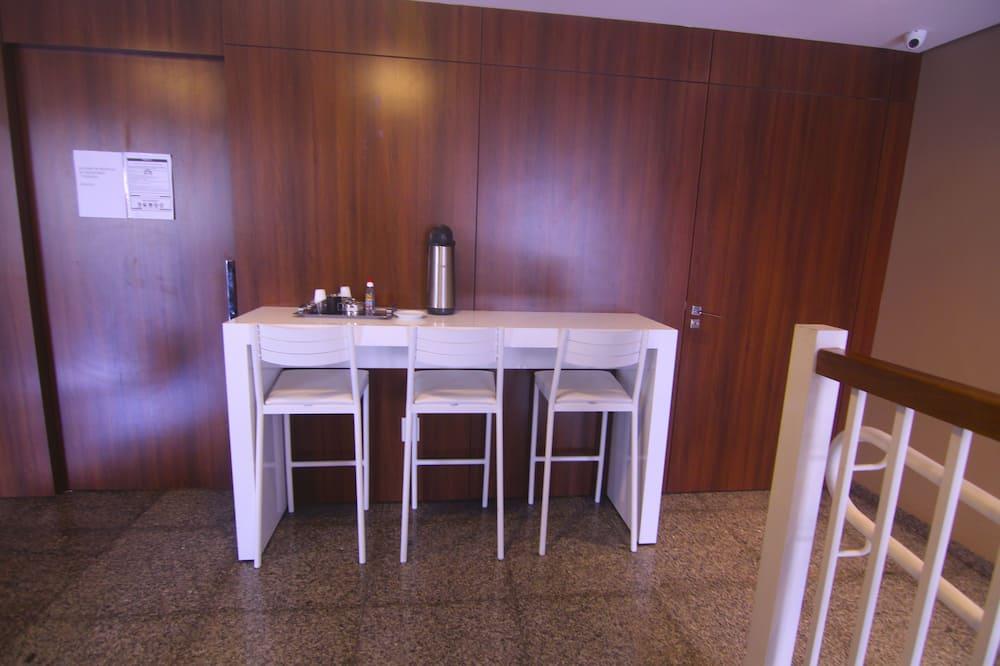 Deluxe Triple Room - In-Room Dining
