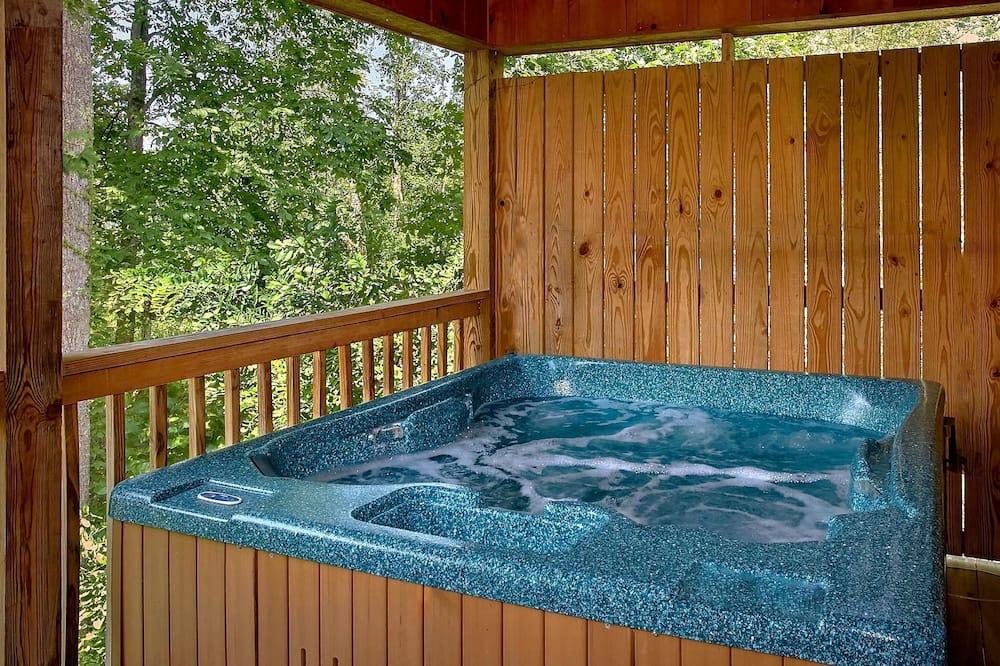 Διαμέρισμα - Εξωτερική μπανιέρα υδρομασάζ