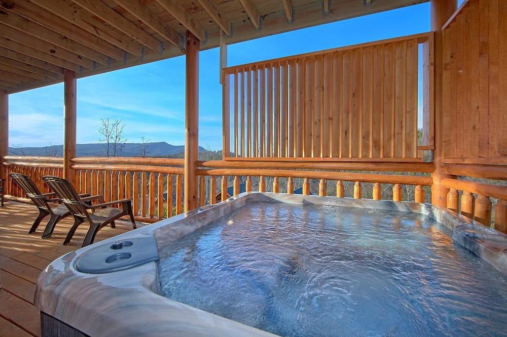 Apartment - Outdoor Spa Tub