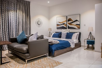 Nuotrauka: The Gallery Premier Suites, Akra