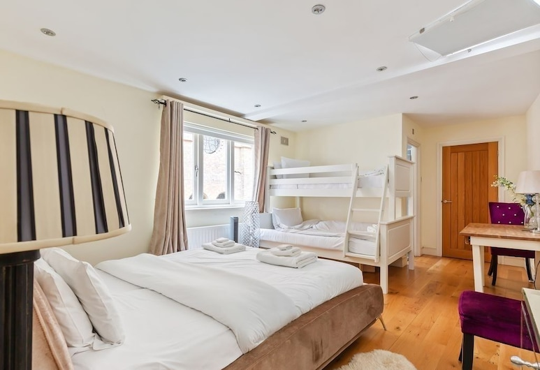BG Private Townhouse 2 Bed 2 Bath, London, Zimmer