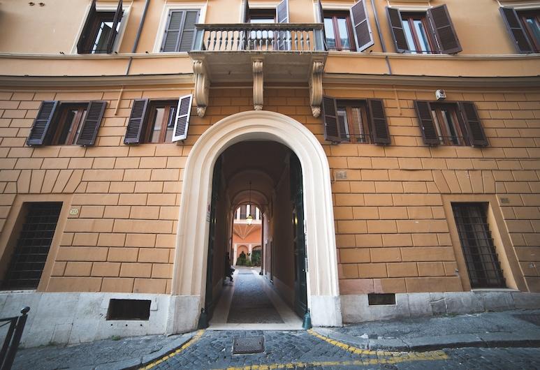 特雷維肖像酒店, 羅馬, 酒店入口