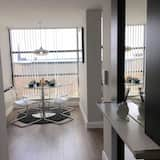 Newly Refurbished Penthouse Apartment in the University Quarter