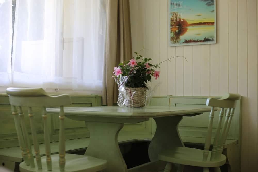 Classic Apart Daire, 2 Yatak Odası - Odada Yemek Servisi