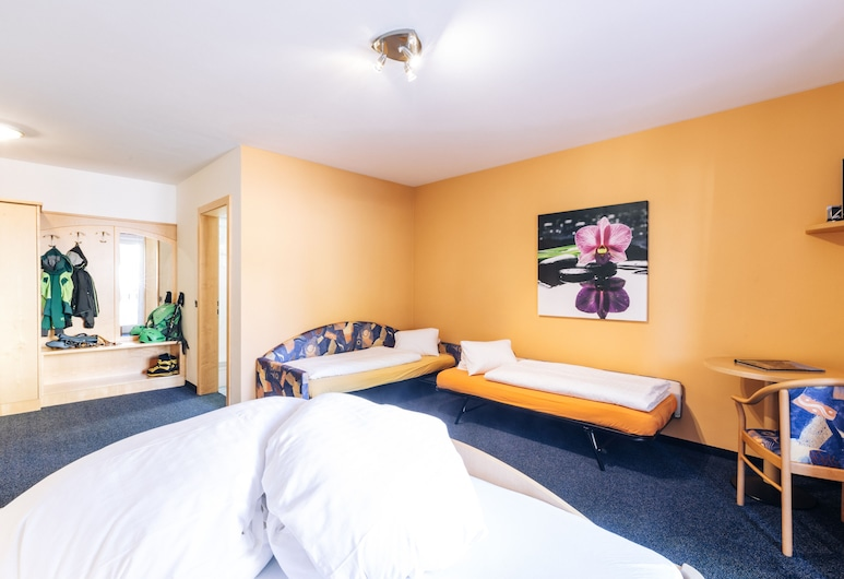 Zum Löwen-Post (Hotel) , Trodena, Quarto Quádruplo Familiar, Quarto