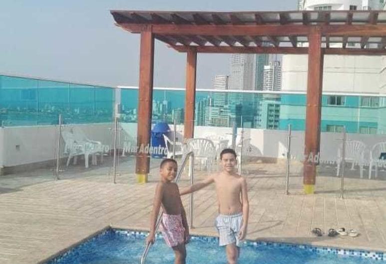 ホステス & VIP サービシズ, カタルヘナ, ビーチ