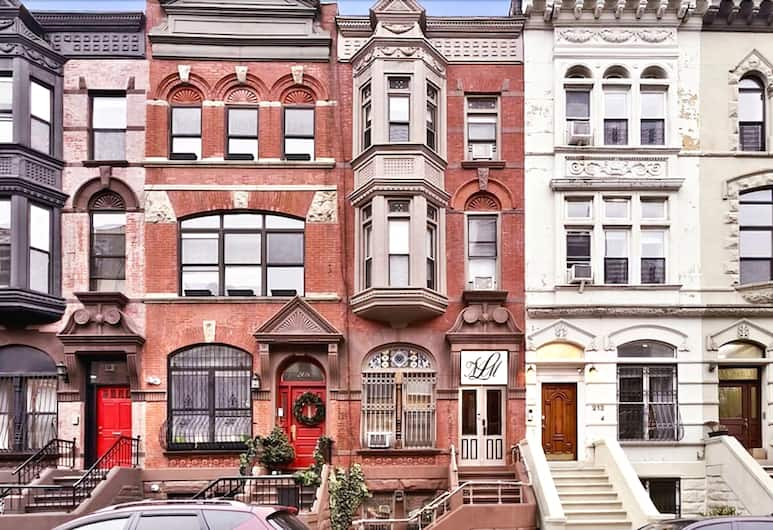 Northern Lights Mansion, New York