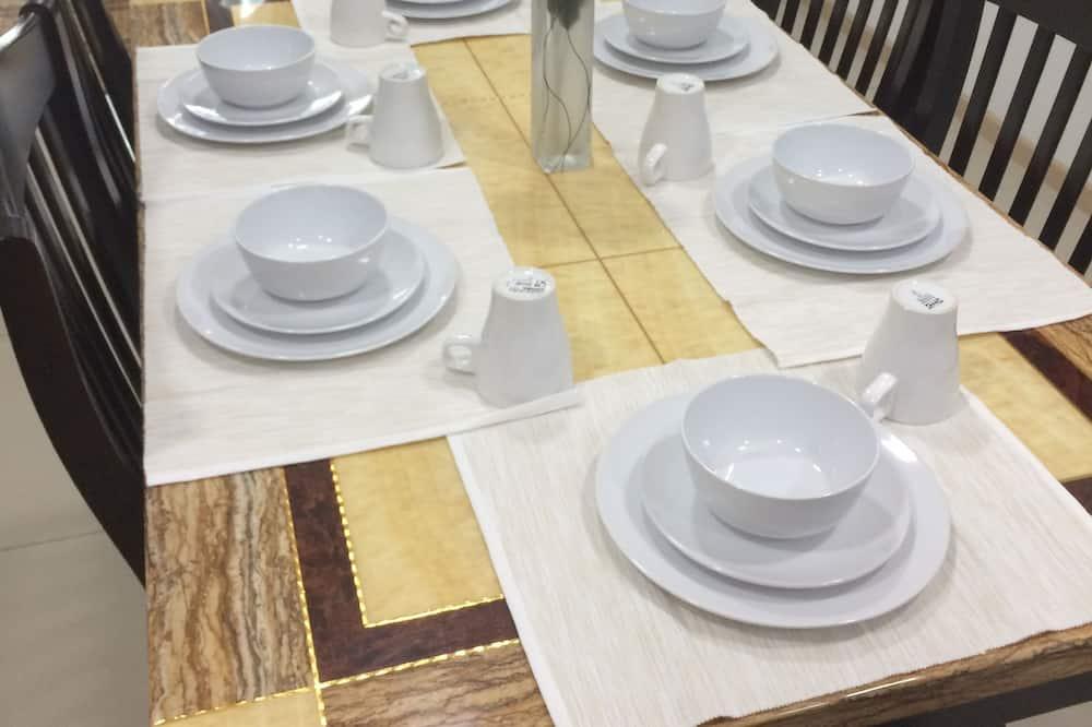 Apartment, 2 Bedrooms (2) - Tempat Makan dalam Bilik
