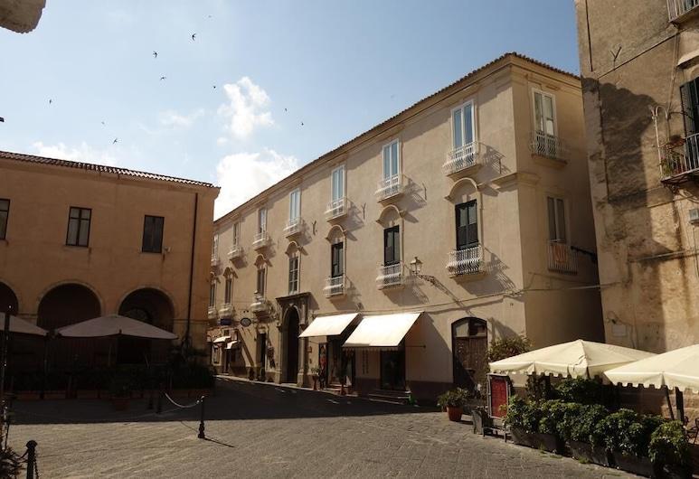 Suites Pastis Tropea - Boutique B&B , טרופאה, חזית המלון