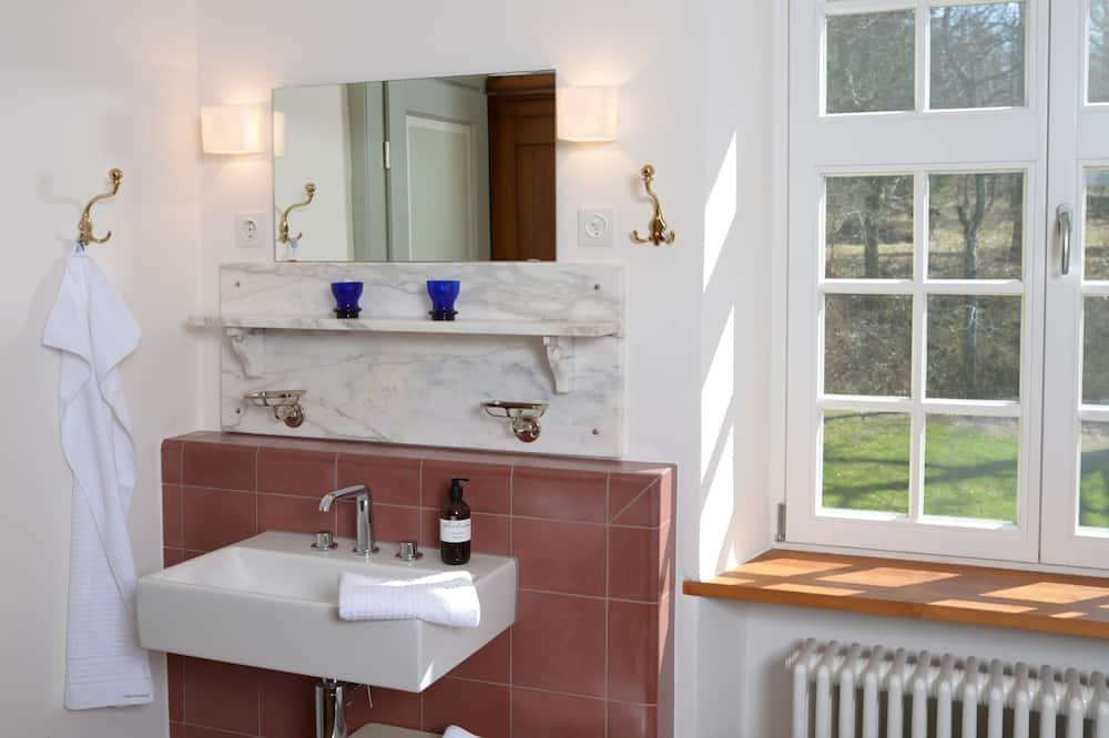 Romantiško stiliaus dvivietis kambarys (#3 Waldsicht) - Vonios kambarys
